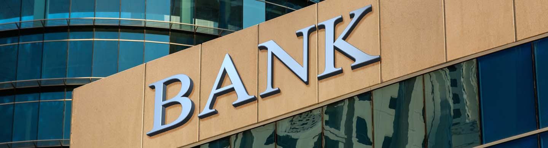 Banks use data analytics to optimize the customer journey