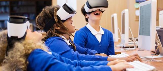 Students and virtual reality goggles